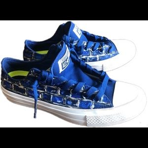 Blue brick- graffiti converse shoes, M size 5.
